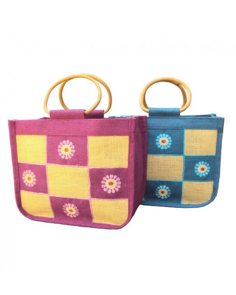 Jute lunch bag with cane handle